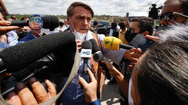 Bolsonaro chama jornalista de 'idiota' durante visita à Bahia - politica, bahia