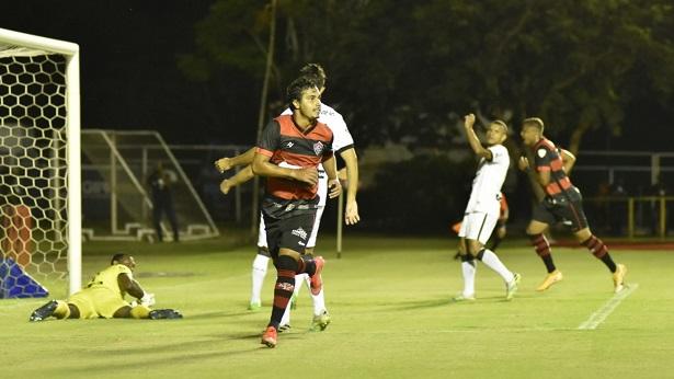 Vitória vence o Treze pela Copa do Nordeste e se aproxima de classificação - esporte