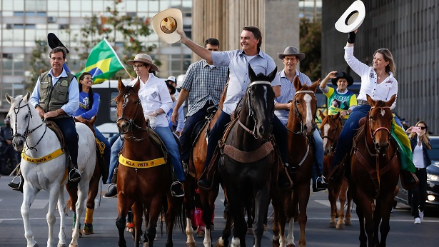 Bolsonaro defende voto impresso em manifestação - politica