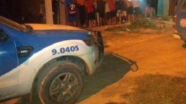 Oliveira dos Brejinhos: Polícia encerra festa clandestina em clube - oliveira-dos-brejinhos, bahia