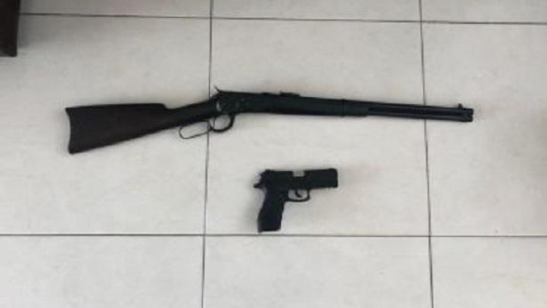 Candeias: Prefeito é detido por posse ilegal de armas após operação da Polícia Federal - policia, candeias, bahia