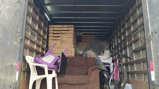 Alagoinhas: PRF apreende caminhão transportando pessoas de maneira irregular na BR-101 - bahia, alagoinhas