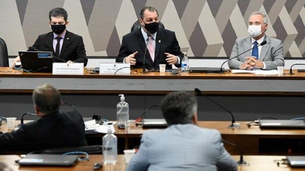 Carlos Wizard retorna ao Brasil e entrega passaporte a Polícia Federal - politica, justica