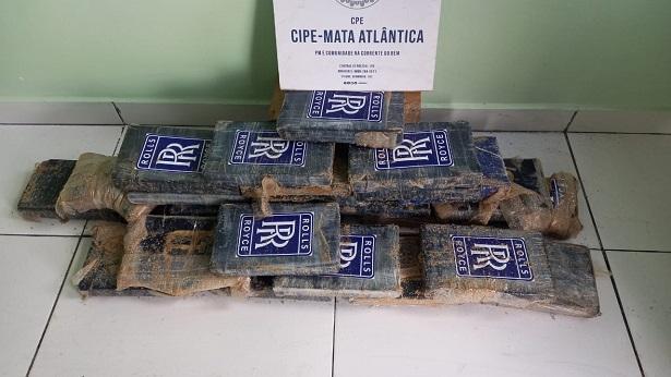 Mucuri: Cocaína avaliada em R$ 1 milhão é apreendida na Praia da Barrinha - mucuri, bahia