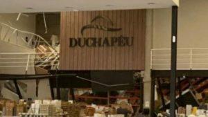 São Paulo: Desabamento de mezanino de loja em shopping deixa feridos - brasil