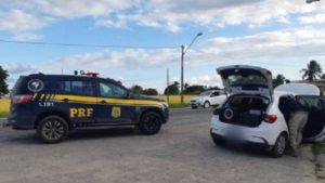 Porto Seguro: Motorista é preso ao trafegar com carro roubado - porto-seguro, policia, bahia