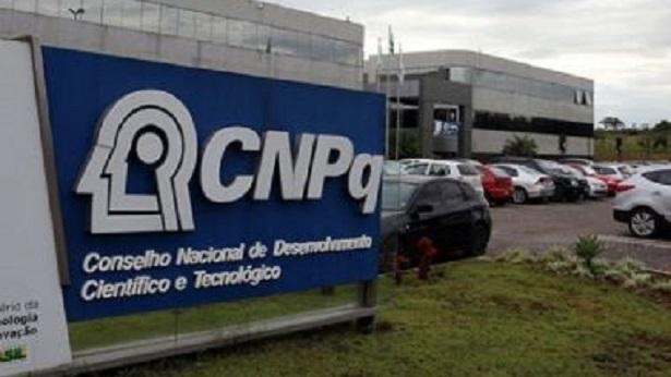 CNPq diz ter identificado causa de inoperância no sistema e nega perda de dados do Lattes - brasil