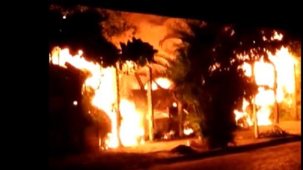 Cruz das Almas: Incêndio atinge veículos apreendidos no Complexo Policial - destaque, cruz-das-almas