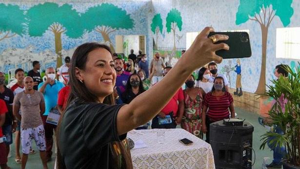 Deputada Talita Oliveira se reúne com prefeitos e leva projetos para Sudoeste e Sul da Bahia - bahia