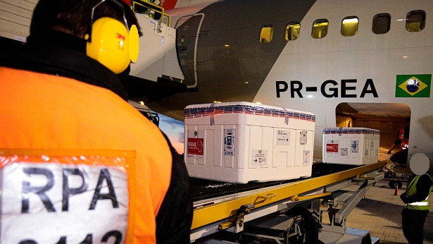 Pfizer entrega mais 1 milhão de doses ao Brasil neste domingo - brasil