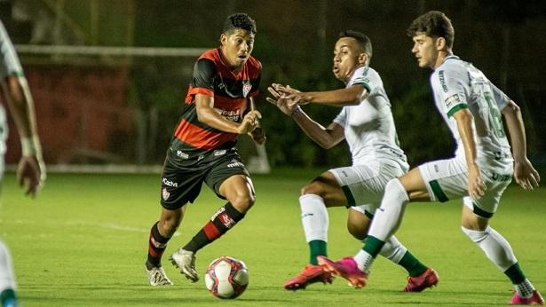 Vitória arranca empate com o Goiás no Barradão pela Série B - esporte