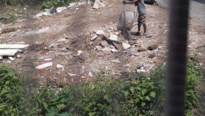 SAJ: Após limpeza, terreno baldio volta a receber lixo na Rua Chile - saj, noticias, destaque
