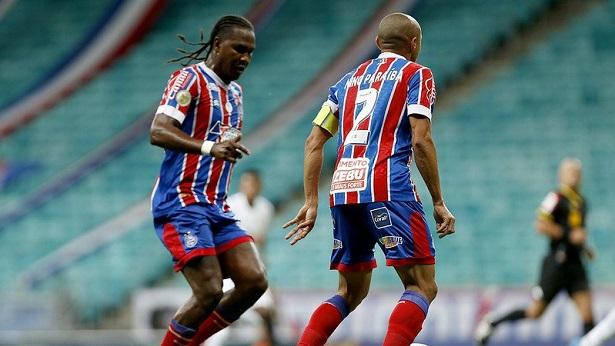 Rodallega marca golaço, mas Bahia fica no empate contra o Bragantino - esporte