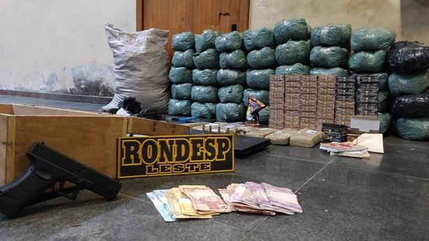 Feira de Santana: Após consultar usuários, polícia apreende 53 kg de drogas - policia, feira-de-santana, bahia