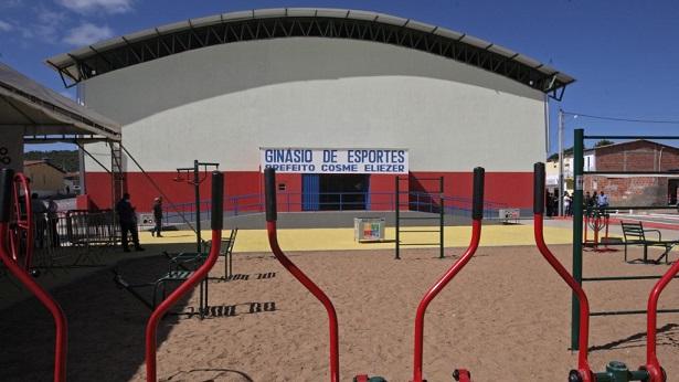 Irajuba: Rui entrega Ginásio de Esportes e anuncia ampliação do Colégio Isaías Aleixo - noticias, irajuba, bahia