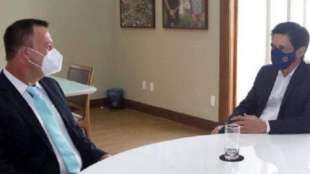 Prefeito Egnaldo Piton cumpre agenda em São Paulo em busca de recursos  para Dom Macedo - dom-macedo-costa, bahia