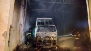 Depósito de bebidas sofre incêndio em Vitória da Conquista - vitoria-da-conquista, policia, bahia