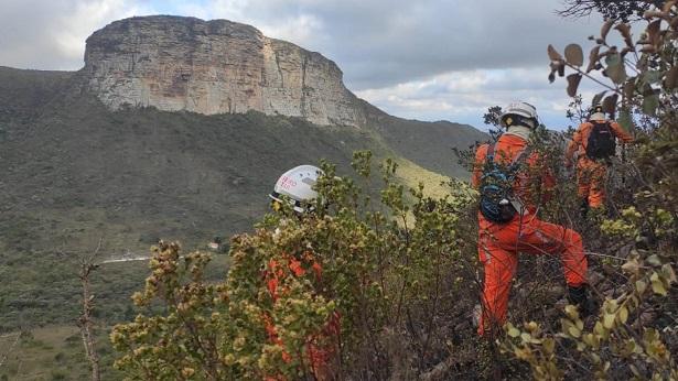 Bombeiros seguem combatendo incêndio na Chapada de Diamantina - chapada-diamantina, bahia