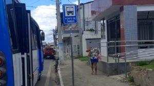SAJ: Sem abrigo em ponto, usuários do transporte coletivo ficam expostos ao sol e a chuva - saj, noticias, destaque