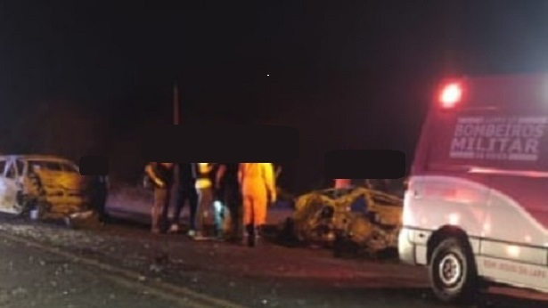 Santa Maria da Vitória: Bombeiros resgatam corpo carbonizado após acidente - bahia, transito