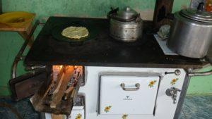 Uso de lenha ultrapassa uso do gás de cozinha nas casas brasileiras - noticias, economia