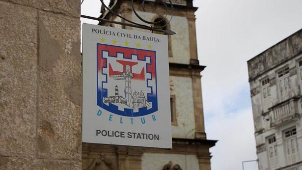 Deltur prende mulher por manter idoso em cárcere privado - salvador, policia, bahia